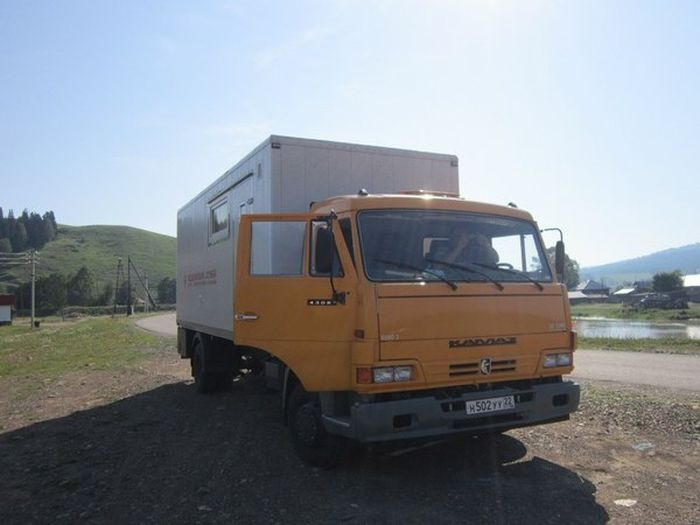 Russian KAMAZ Dentist Trucks to Reach for Faraway Villages