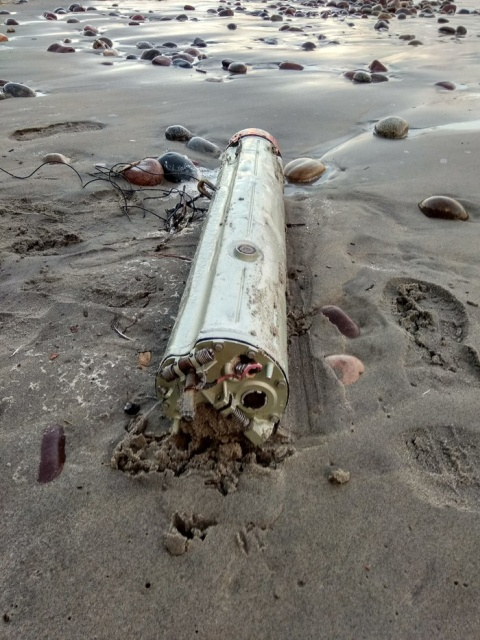 Russian Man Finds a Liquidator Washed at the Shore of the Sea