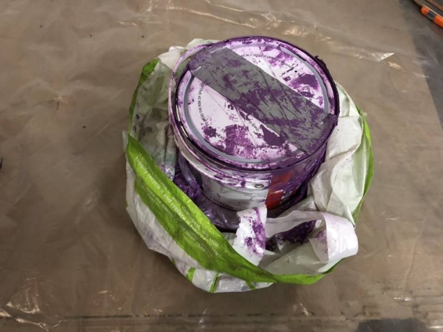 Gold Bars Hidden in Paint Bucket Seized on the Border