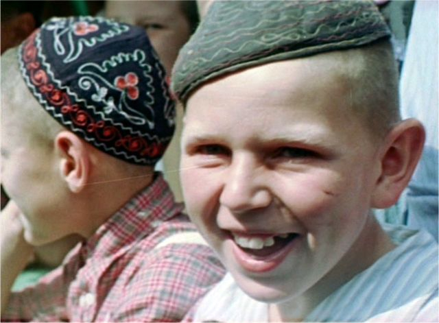 Soviet Faces from 1956 [color photos]