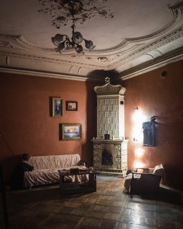 Wonderfully Eclectic Communal Tsartist Era Apartments in St.Petersburg [photos]