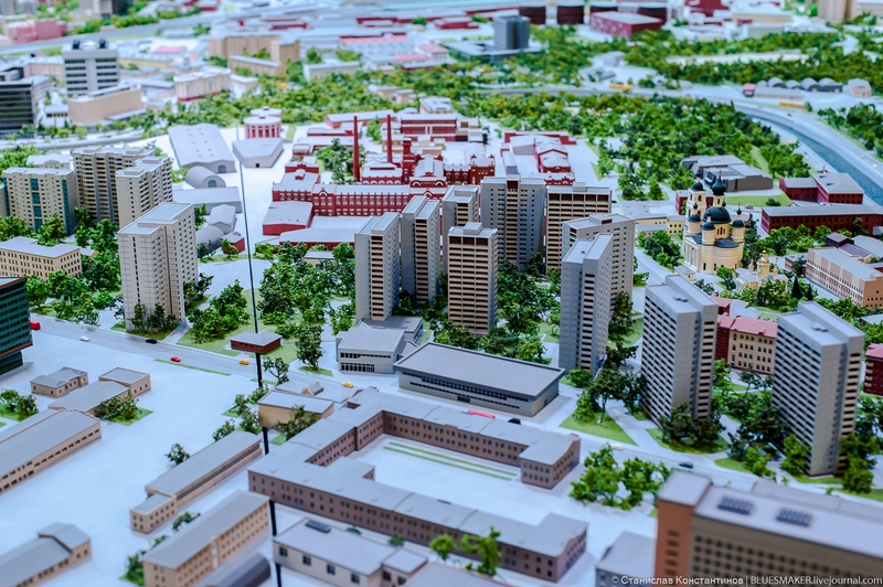 Huge Toy Model of the Moscow City [photos]