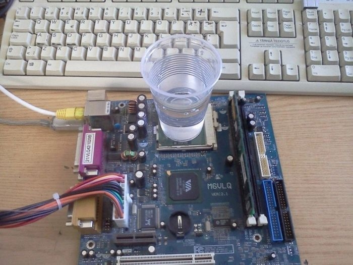 Ways Russian People Cooling Their Computers