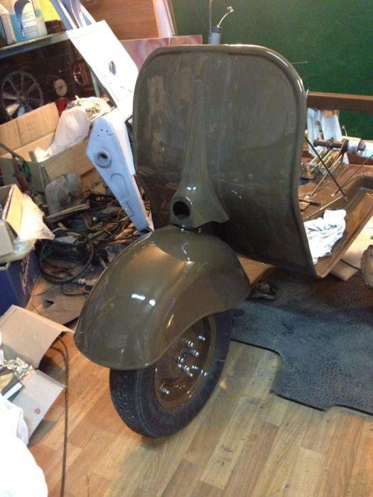 Restoration of old Soviet Vespa Clone: Cargo Scooter Vyatka MG-150