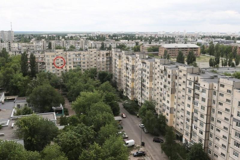 Kiev Retired Man Turns His Hallway into a 19th Century Palace