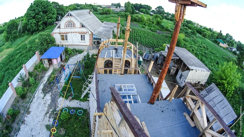 Russian man builds Golden Hind English Galleon in his backyard
