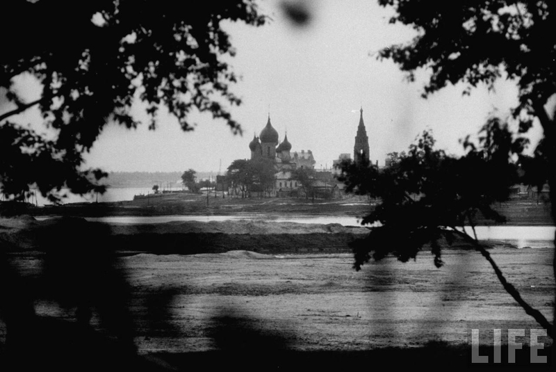 Foreigner in Russia travels Volga River in 1958