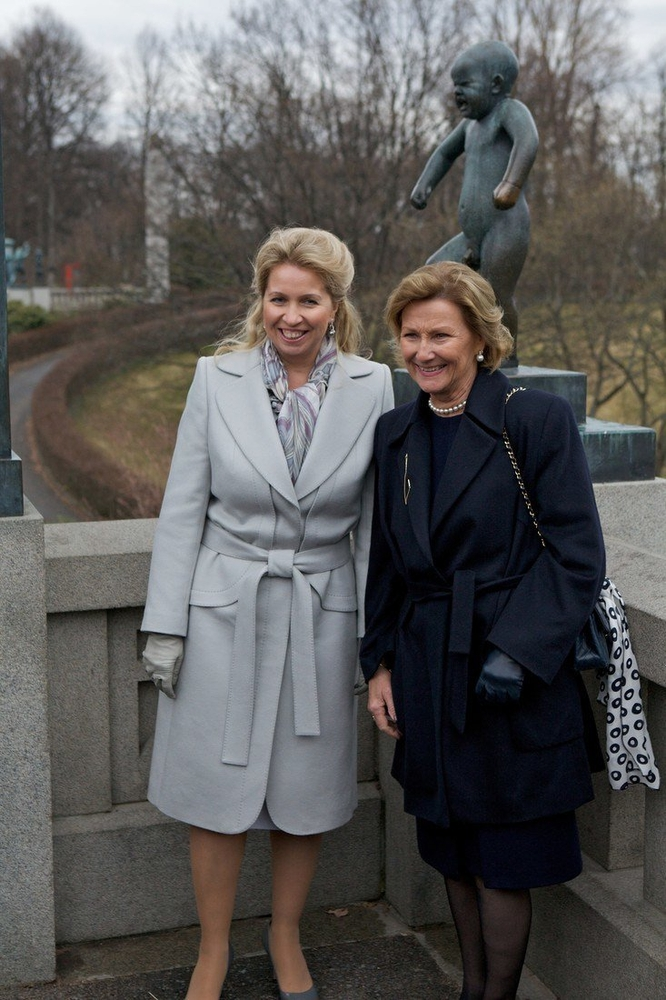 Fashion of First Ladies of Russia: Wifes of Russian Leaders From Kruschev to Putin
