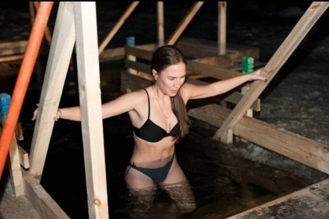 2019 Winter Bathing of the Russian Females [30 photos]