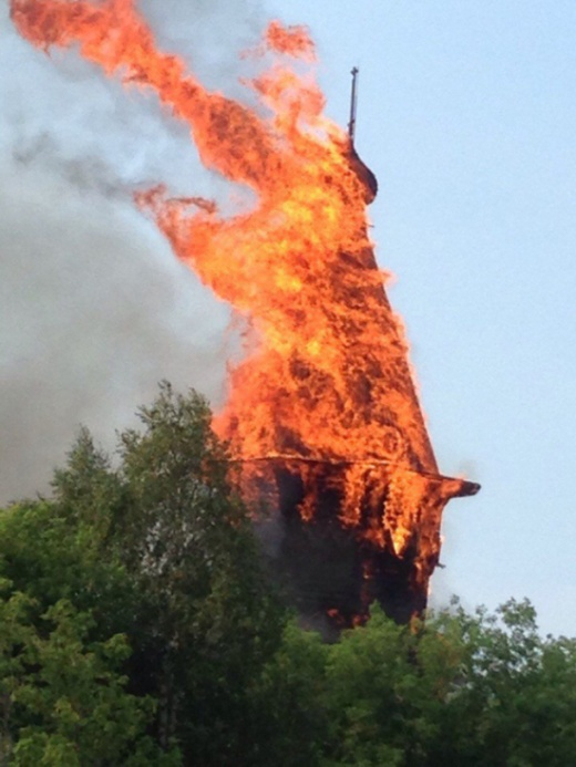 18 century church burns down in Karelia