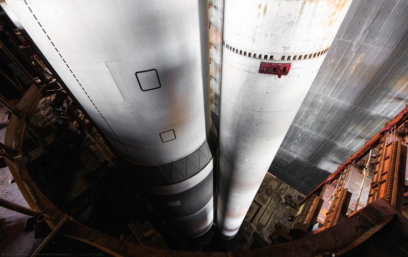 Boys Trespassed Inside the Cosmodrome made Photos, Climbed into Rockets [photos]