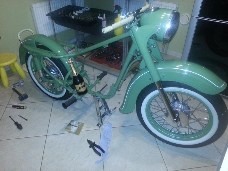 Restoration of K-175 Kovrovets Vintage Soviet Motorcycle
