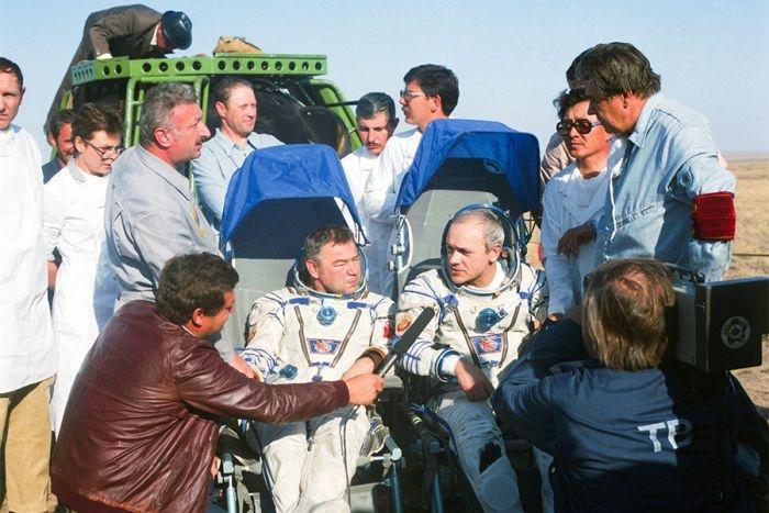 Russian Cosmonaut Grechko Dead at Age 85