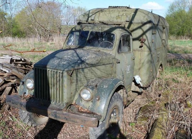 Restoration of GAZ-63 Truck That Spent Many Years in a Field