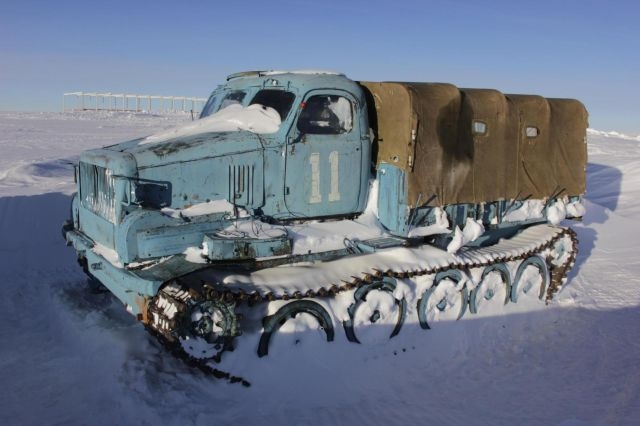Special Soviet South Pole Vehicles That Can Go Anywhere and You Can Live in It Too [photos]