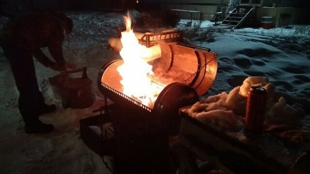 Making Barbecue Stove from a Propane Cylinder [24 photos]