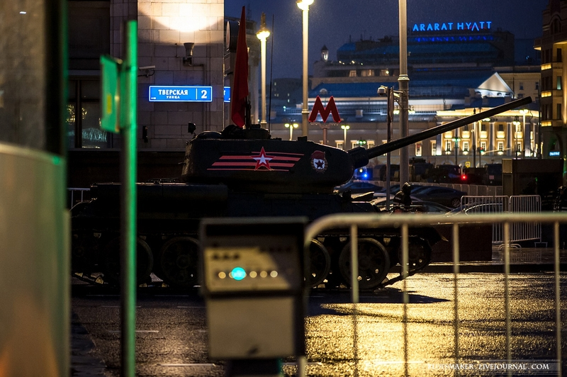 Nice Photos of Russian Victory Day Parade Night Rehearsal