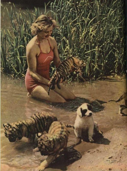 Soviet Women Photos from Soviet Magazines
