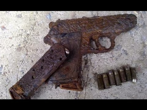 World War 2 Guns Laid in Ground for 70 Years And Dug Out from the Ground in Russia