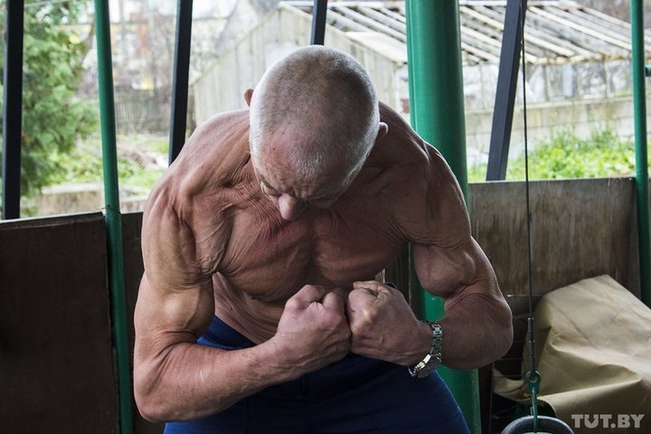 70 Year Old Belorussian Retired Man Doesn't Want to Get Old, Becomes Bodybuilder