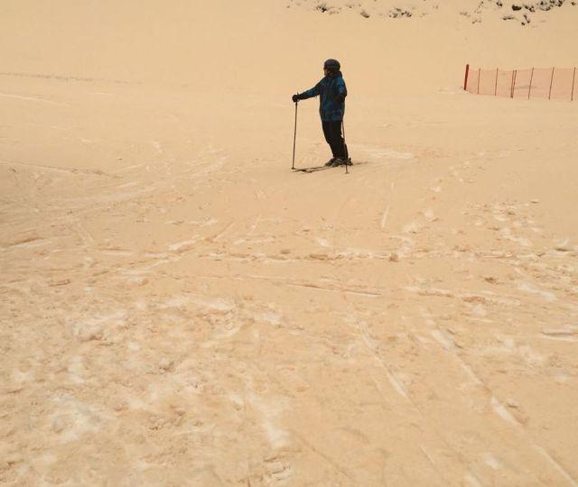 Red Snow at Russian Ski Resort [photos]