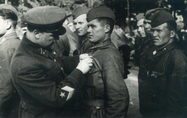 New Selection of Archive Photos from WW2