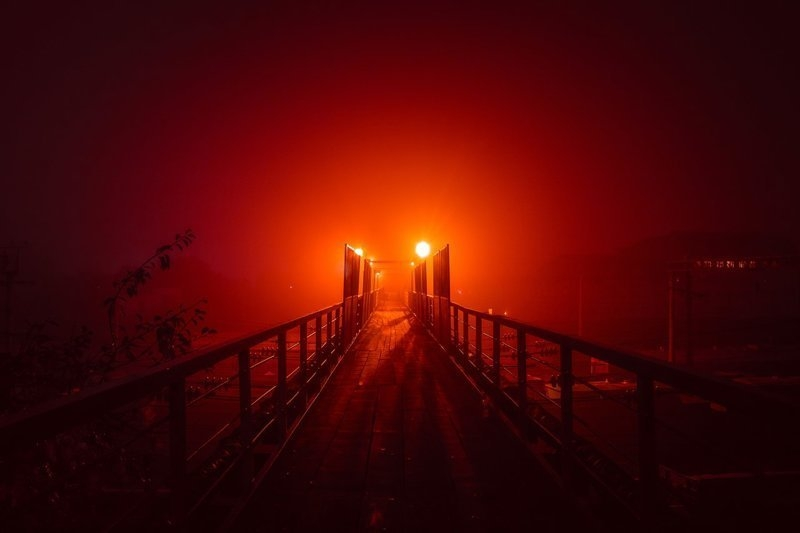 Mystically Attractive Fog Night Photos of the Cities and Villages [photos]