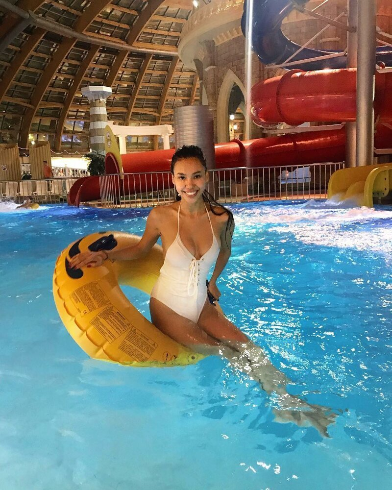 This is Why Wives Not Allow their Husbands go Alone to Water Parks [20 photos]