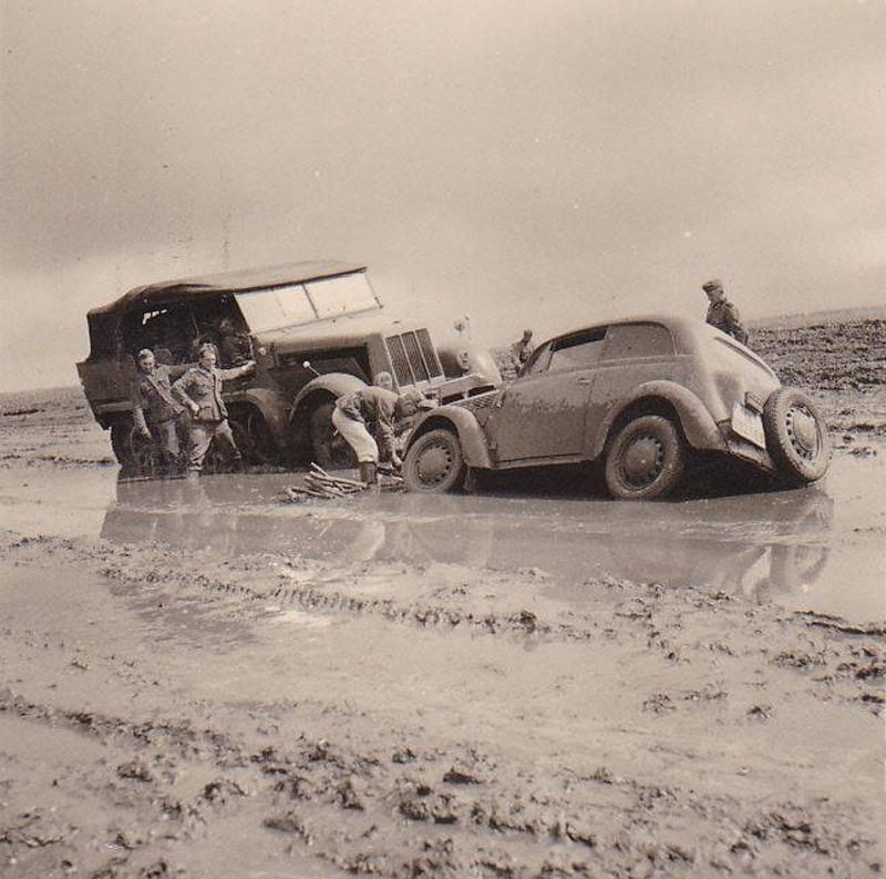 Nazis Vs Russian Roads [9 Photos]