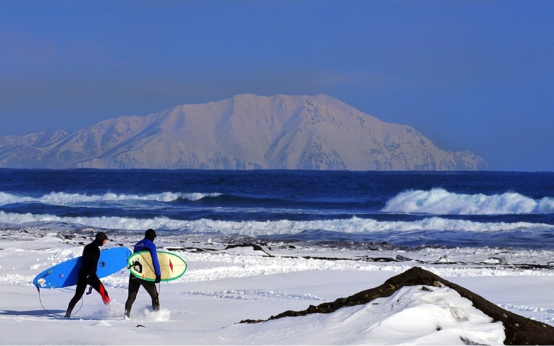 WINTER SURFING IN RUSSIA - REALITY!