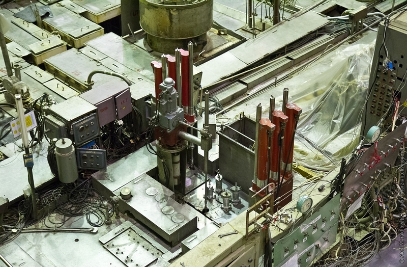 Where and how the Californium 252 a most expensive metal in the world is made