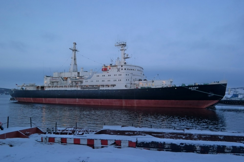 Spending a Day on an Atomic Icebreaker