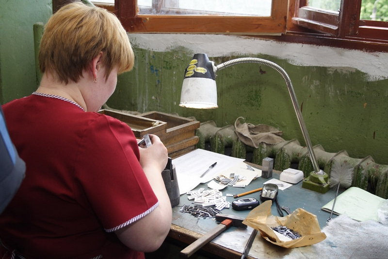 How accordions and bayans are made in Tula