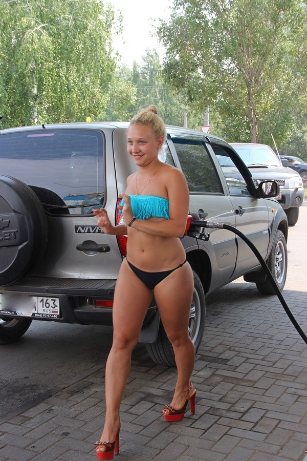 Residents of Samara City Undressed for a Full Tank of Gas