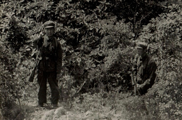 Chinese Border Guards Facing Russian Soldiers in 1977-1979