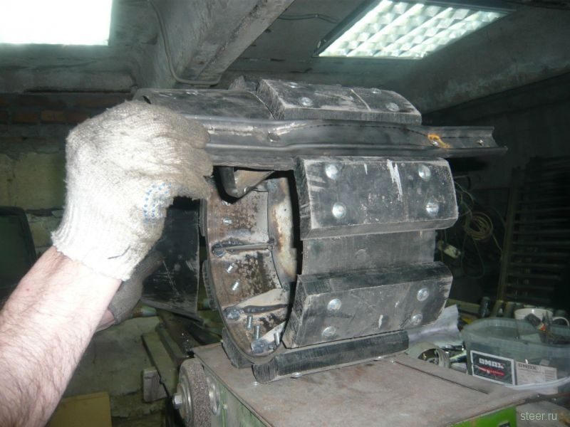 Man from Omsk builds a Lada Tank