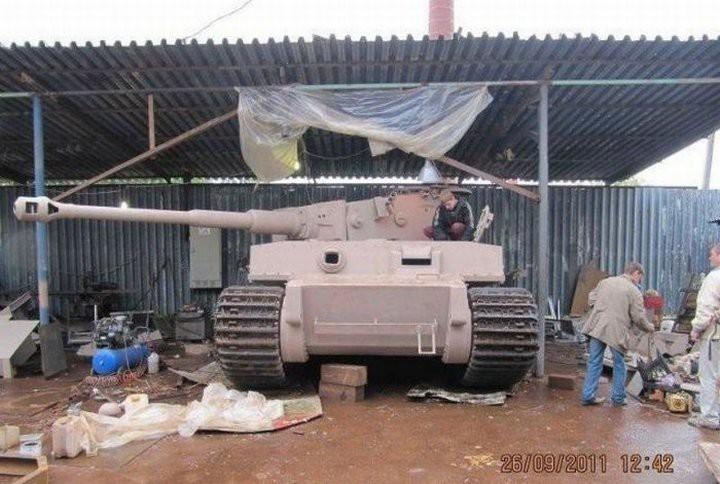 German TIGER Tank Replica Built by One Man