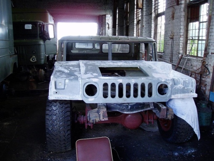 Russian man makes a Humvee from Russian GAZ66 truck