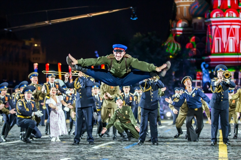 International Army Orchestras March thru the Red Square
