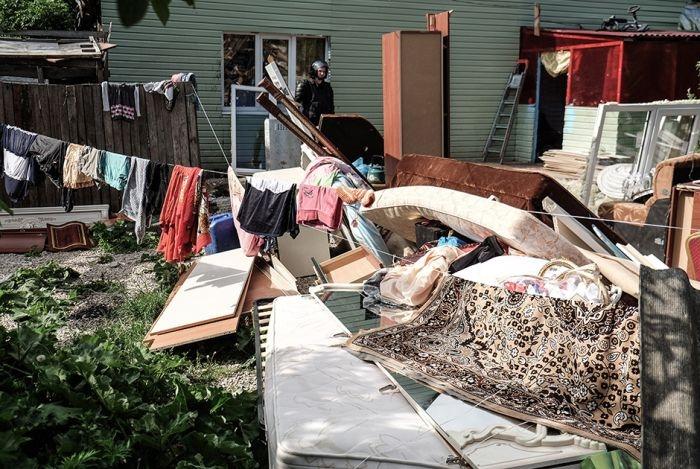 Russian Police Destroys Biggest Gypsy Village in Russia