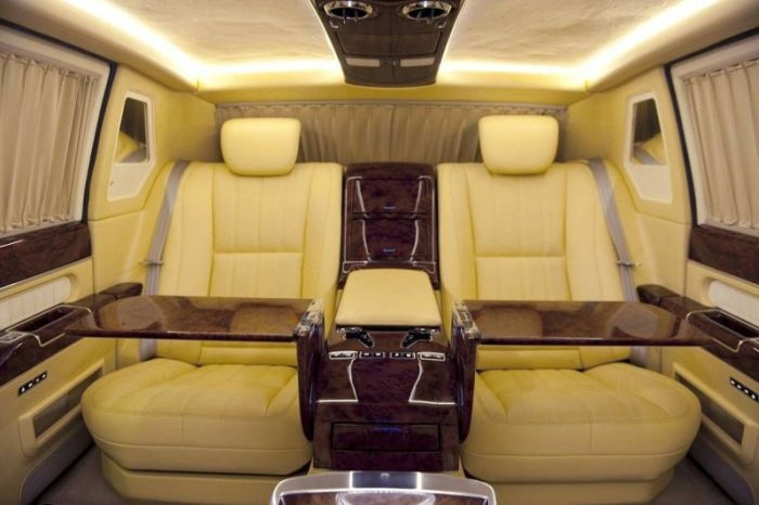 russian president s unique zil limo up for sale english russia. Black Bedroom Furniture Sets. Home Design Ideas