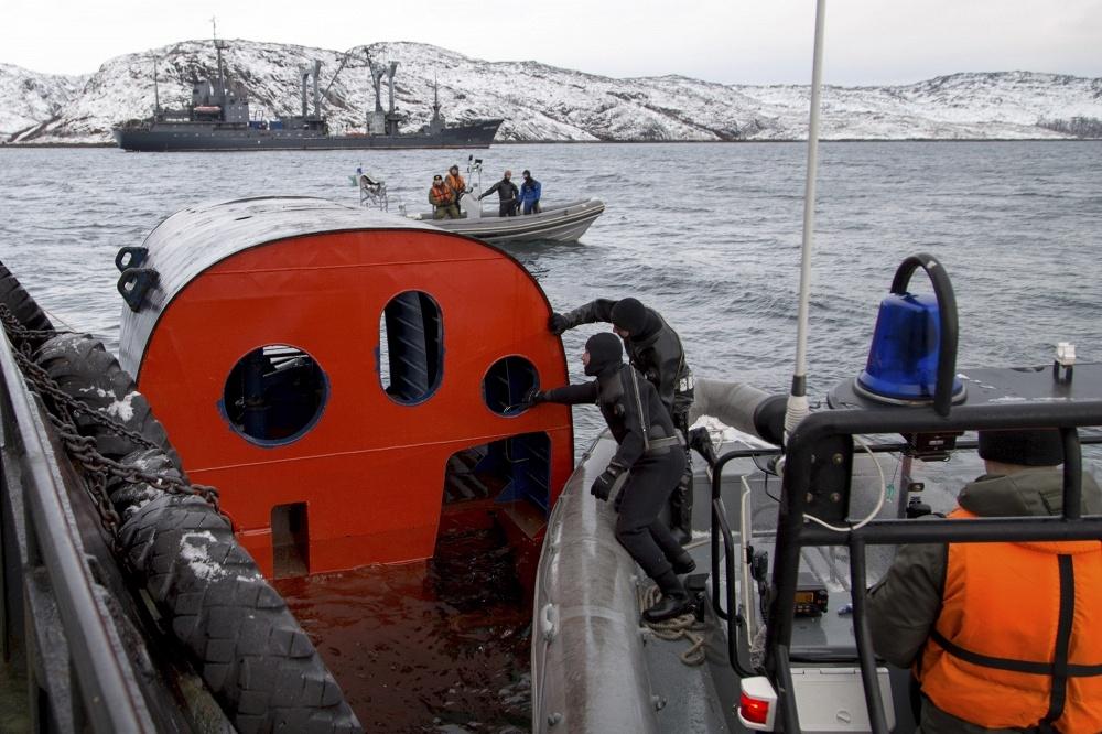 на сколь может удариться подводная лодка