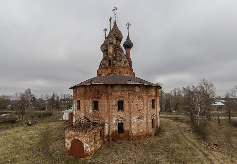Russian Village with Awesome Abandoned 16th Century Churches