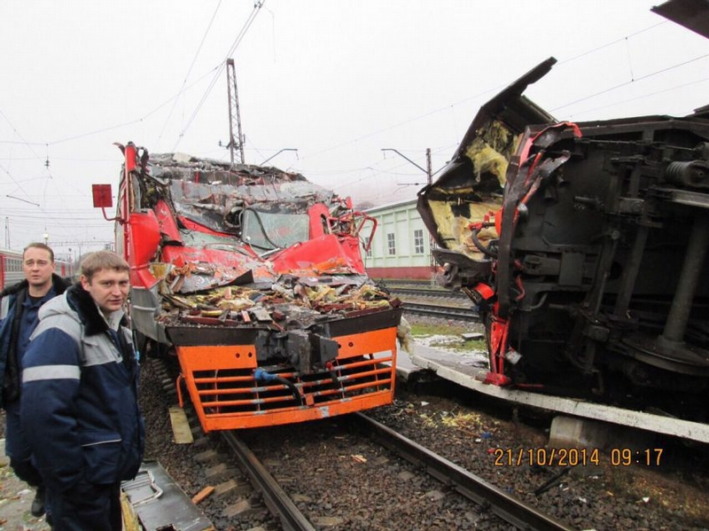 Someone Stole and Wrecked a TRAIN near Moscow