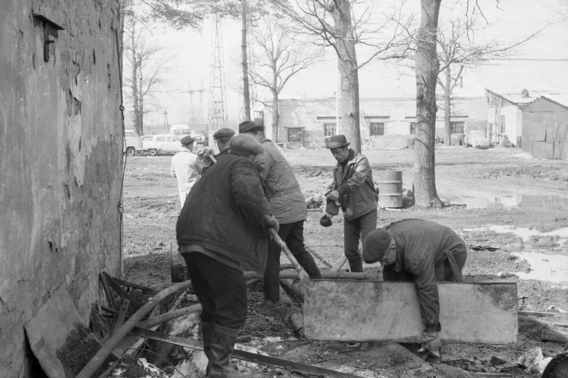 Elite Soviet Workers Went for an Area Clean Up