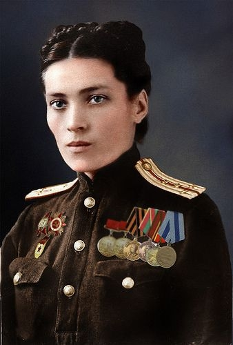 Faces of Russian Women and Men in Color from World War 2