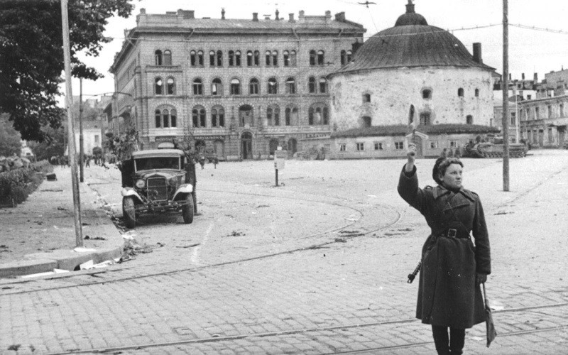Soviet Traffic Controllers on the Streets of Europe