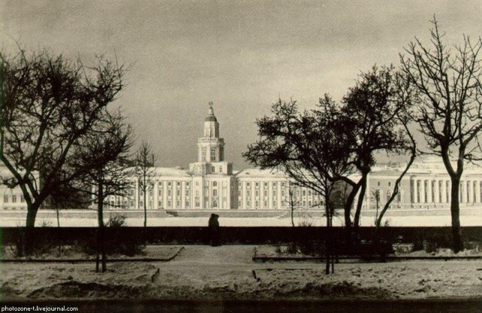 St. Petersburg then and Now Compared