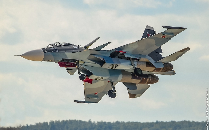 Su-30SM Number 38 in Russian Air Show Maks 2015