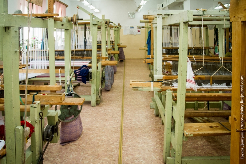 Trip to a Traditional Cloths and Fabric Making